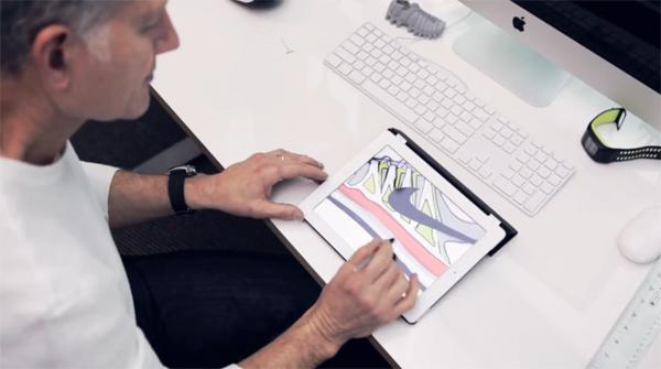 Tinker Hatfield a Nike Zoom Vapor 9